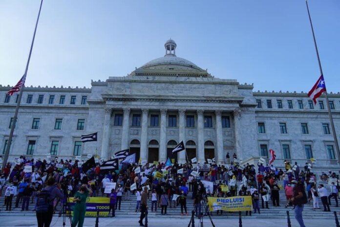 Manifestación UTIER frente al capitolio.